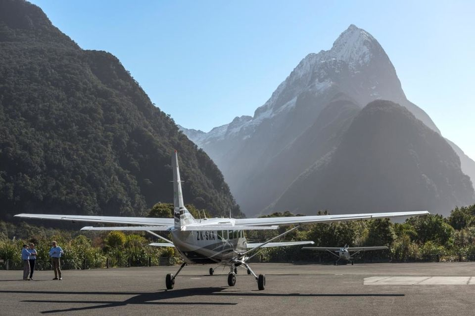 survol-milford-sound-avion